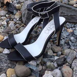 Cute BC BG PARIS heels in size 6